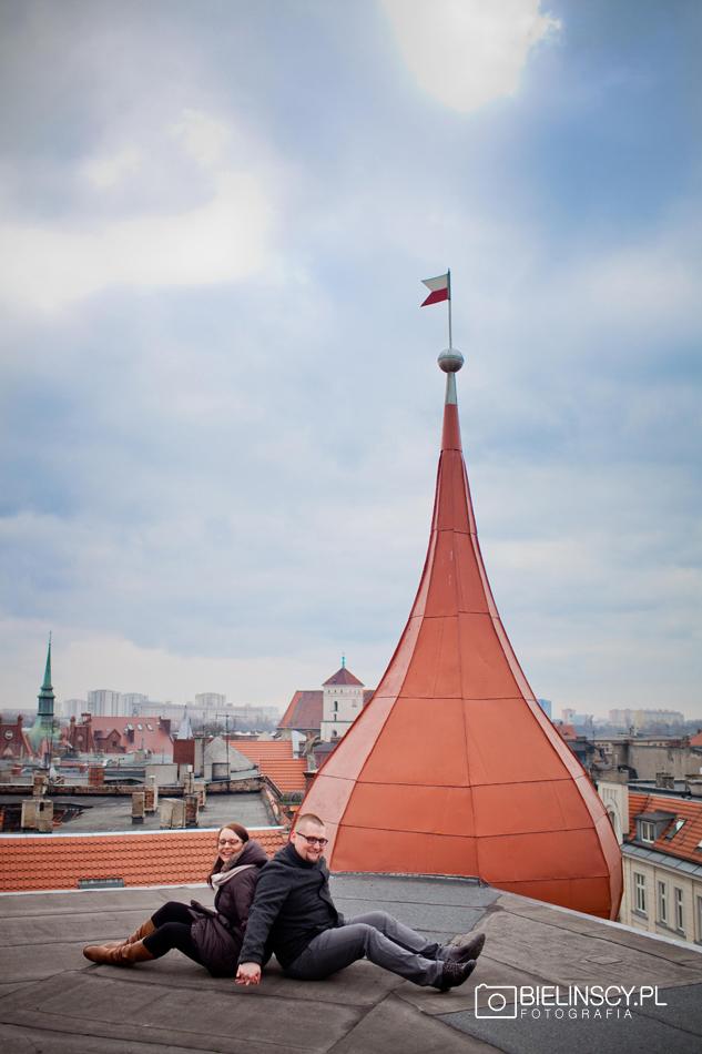 Poznań sesja na dachu romantyczna