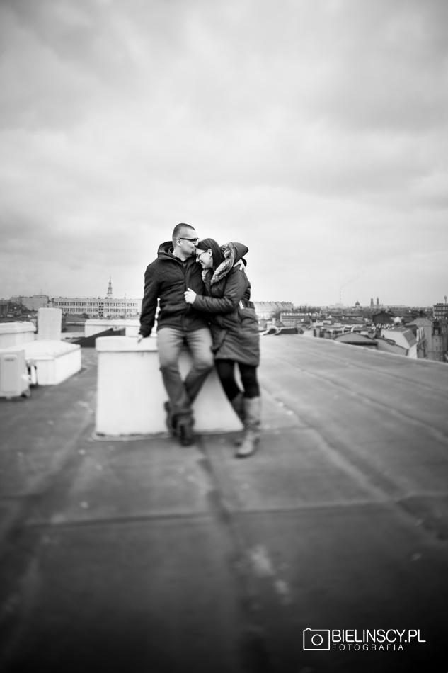 sesja na dachu poznań narzeczeńska